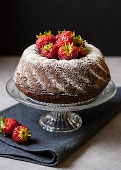 Angle élevé du concept de délicieux gâteau au chocolat