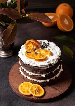 Angle élevé du concept de délicieux gâteau