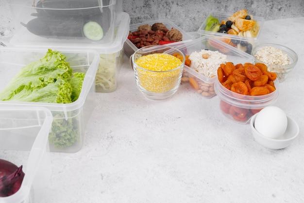 Angle élevé du concept de nourriture avec espace copie