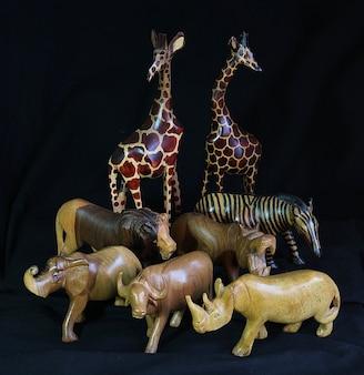 Animaux jouets en bois sculpté kenya afrique souvenirs