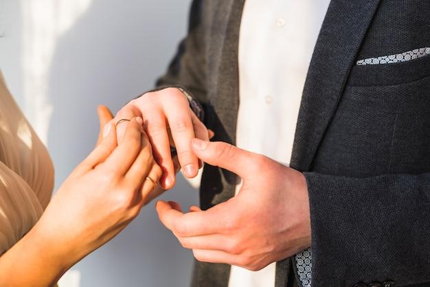Anneau d'échange de jeunes mariés
