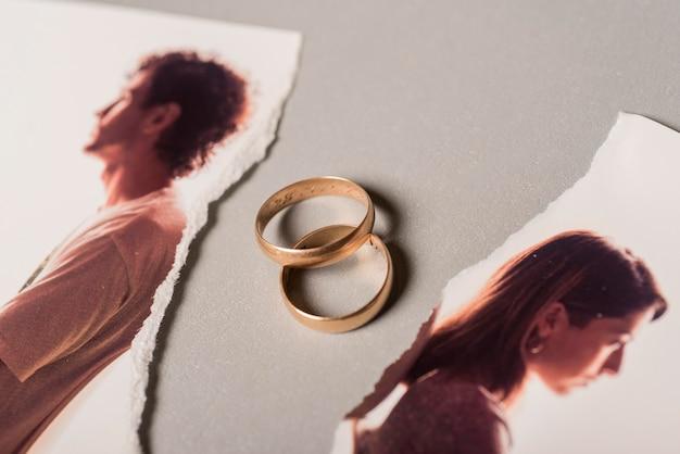 Anneaux de mariage avec image cassée