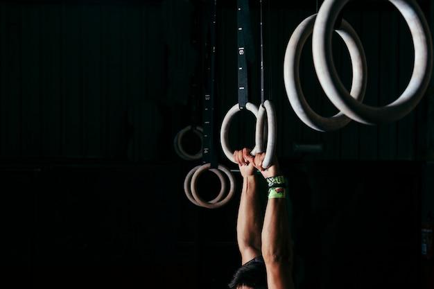 Anneaux pour la gymnastique