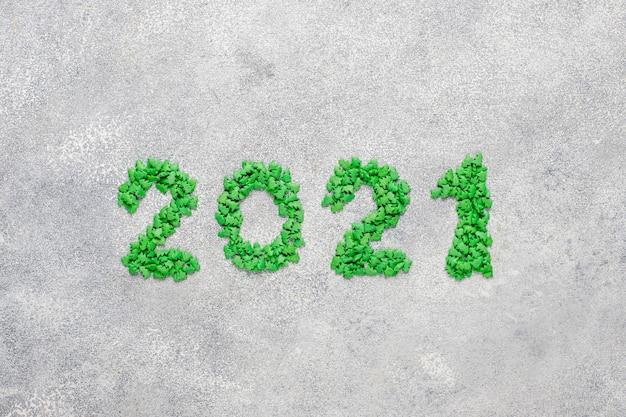 Année 2021 faite de bougies.concept de célébration du nouvel an.