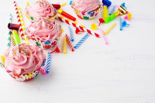 Anniversaire avec des cupcakes roses