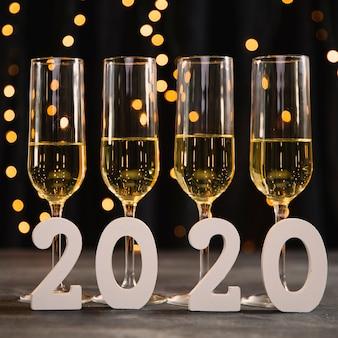 Anniversaire du nouvel an avec champagne