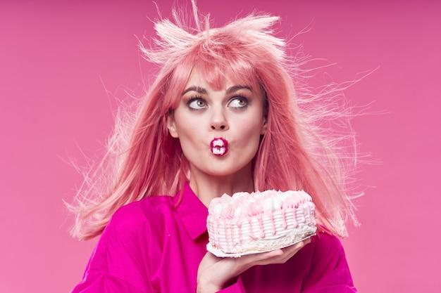 Anniversaire gâteau rose belle femme lumineux maquillage