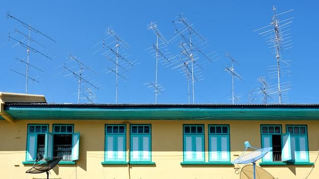 Antenne sur la maison