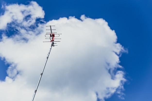 Antenne de télévision numérique extérieure