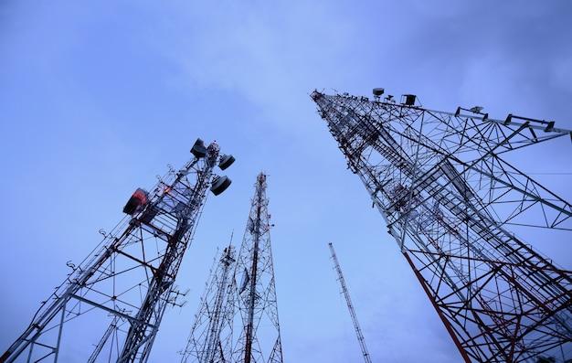 Antenne tv mât de télécommunication technologie sans fil