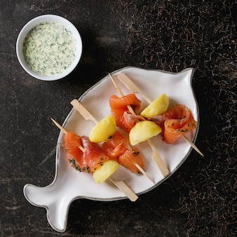 Apéritif au saumon fumé et pommes de terre