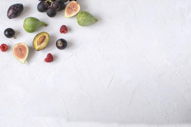 Apéritif du vin kay plat figue raisin prune framboise