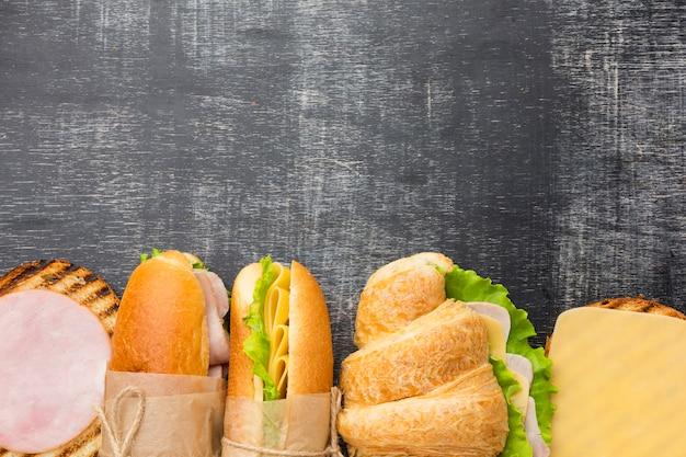 Apéritif sandwich savoureux copie espace
