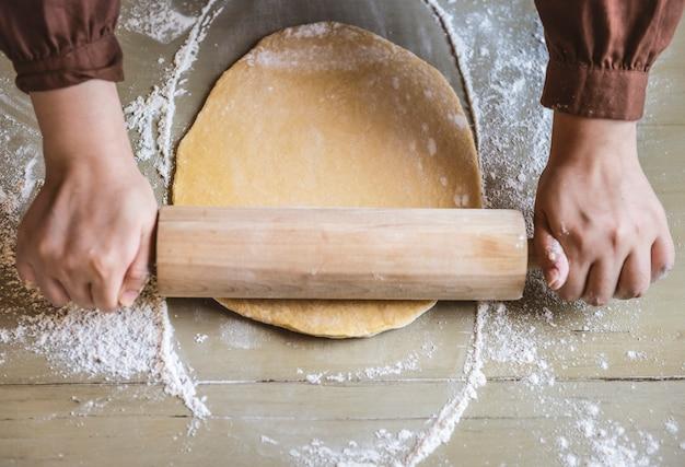 Aplatir une idée de recette de photographie de pâte alimentaire