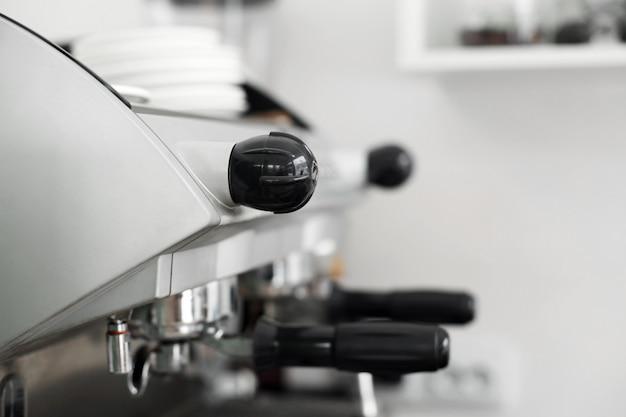 Appareil de cuisson en acier inoxydable pour préparer le café