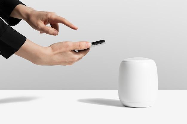 Appareil numérique haut-parleur intelligent blanc sans fil