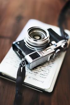 Appareil photo ancien concept de passe-temps de photographie