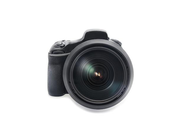Appareil photo numérique dslr professionnel avec objectif grand angle énorme isolé sur blanc