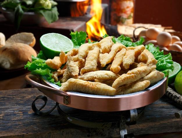 Appât de poisson frit