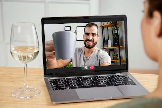 Appel vidéo sur ordinateur portable