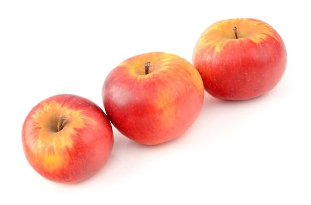 Apple isolé sur blanc