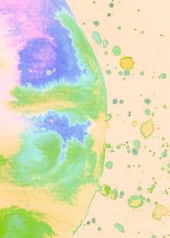 Aquarelle demi cercle coloré avec des taches sur fond beige