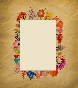 Aquarelle fleur cadre sur papier brun