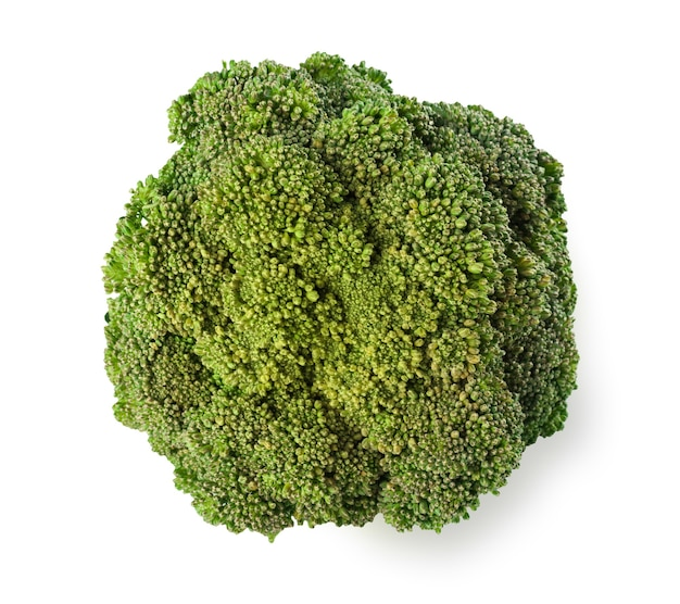 Arbre de brocoli mûr avec des feuilles vertes isolées. gros plan d'aliments végétaux biologiques frais, concept de régime