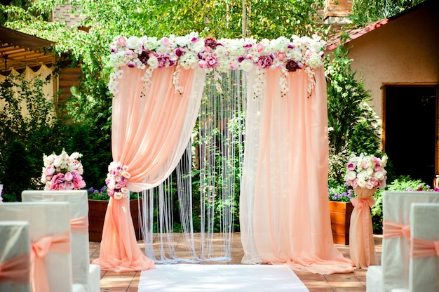 Arc de mariage rose
