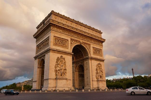 Arc de triomphe à paris arc de triomphe