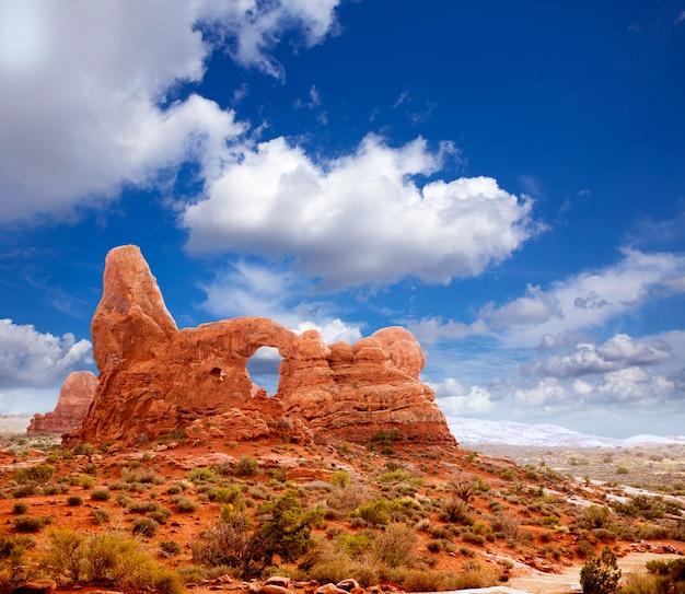 Arche de tourelle du parc national des arches dans l'utah, aux états-unis