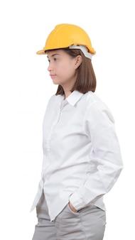 Architecte ou ingénieur look portrait intelligent. femme portant un casque protecteur
