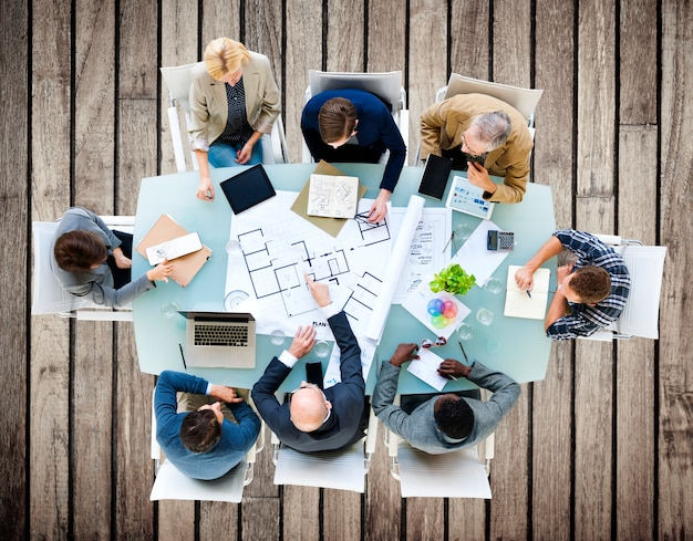Architecte ingénieur réunion concept de conception de la construction