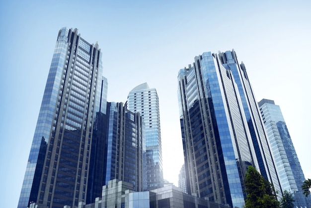 Architecture de bureau d'affaires avec immeuble de grande hauteur dans une ville commerciale