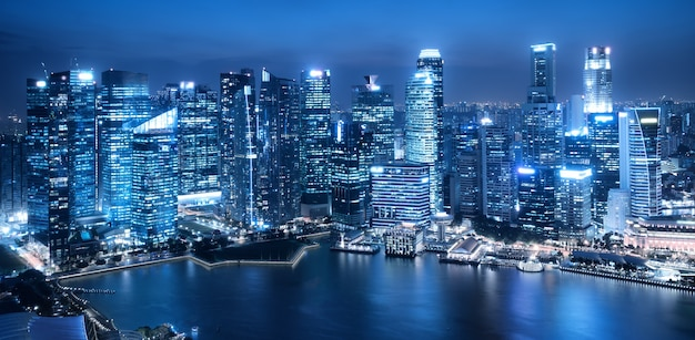 Architecture moderne, fond de paysage urbain de bâtiment de bureau. ville de singapour. filtre bleu
