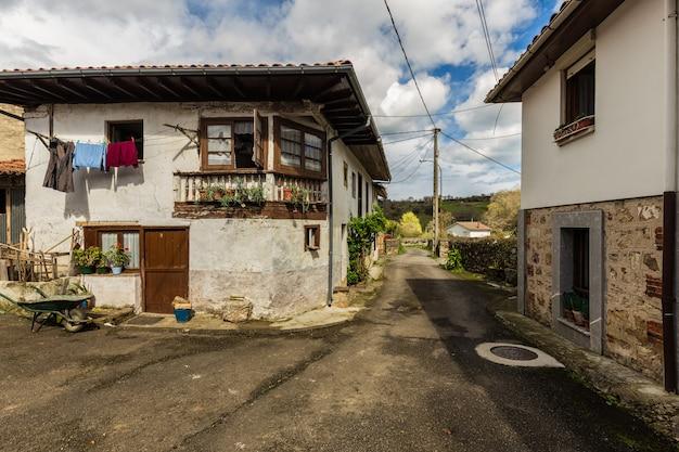 Architecture populaire à mere. asturies. espagne.