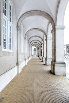 Architecture de la salle du couloir du bâtiment du parlement à copenhague au danemark.