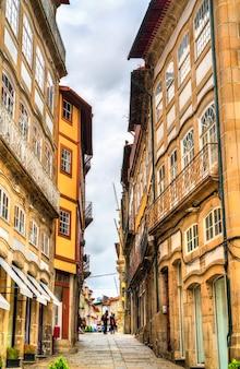 Architecture traditionnelle de guimaraes au portugal