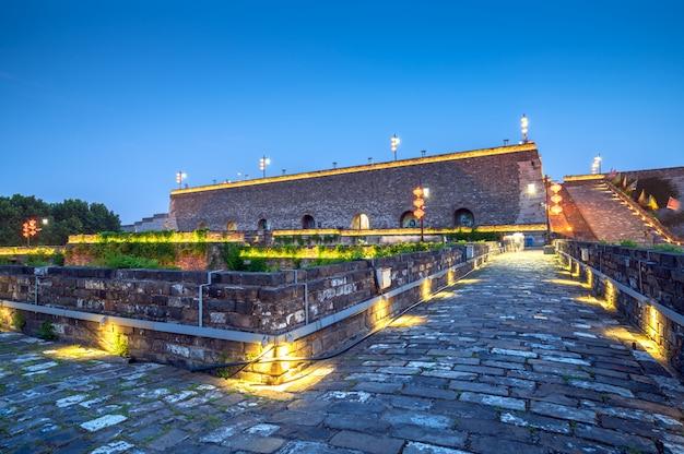 Architecture traditionnelle de mur de la ville ancienne