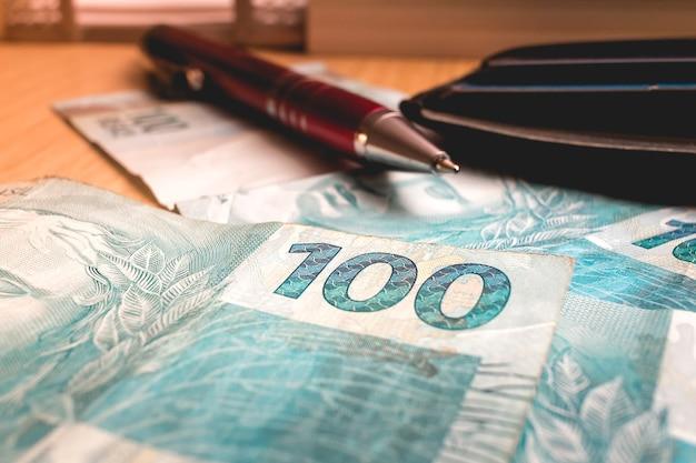 L'argent brésilien en gros plan photo pour le concept de l'économie brésilienne