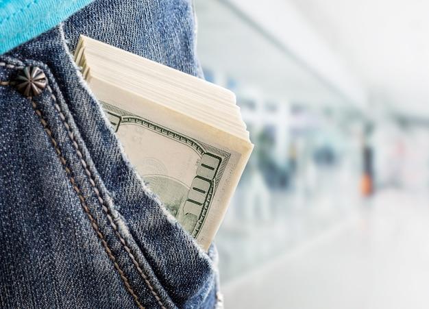 L'argent dans la poche