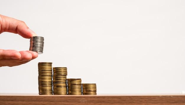 L'argent des pièces de monnaie graphique, l'entreprise et financière, homme d'affaires est la mise en pièces de monnaie