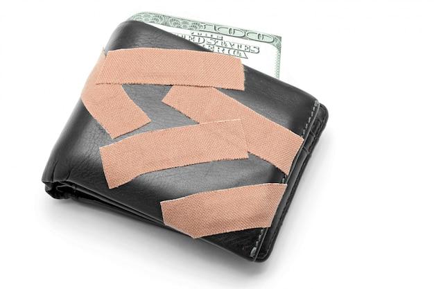 Argent en portefeuille avec plâtre médical