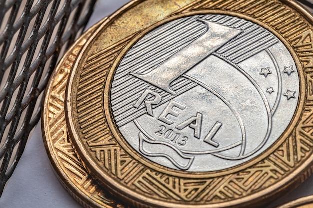 Argent réel brl du brésil une pièce de monnaie brésilienne en macrophotographie