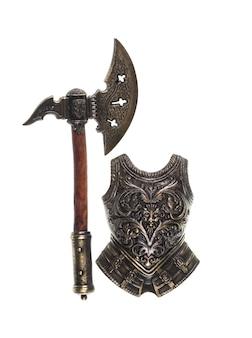 Armure de chevalier sur fond blanc isolé
