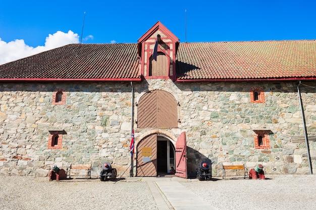 L'armurerie au musée du palais de l'archevêque de trondheim, norvège