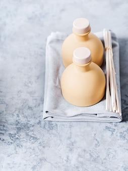 Aroma reed diffuseur parfum d'ambiance avec des bâtons de rotin.