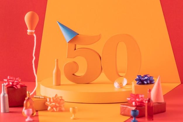 Arrangement 50e anniversaire avec décorations festives