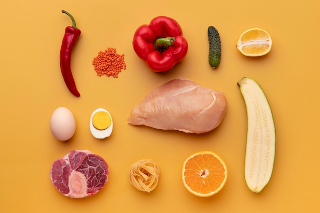 Arrangement d'aliments sains à plat