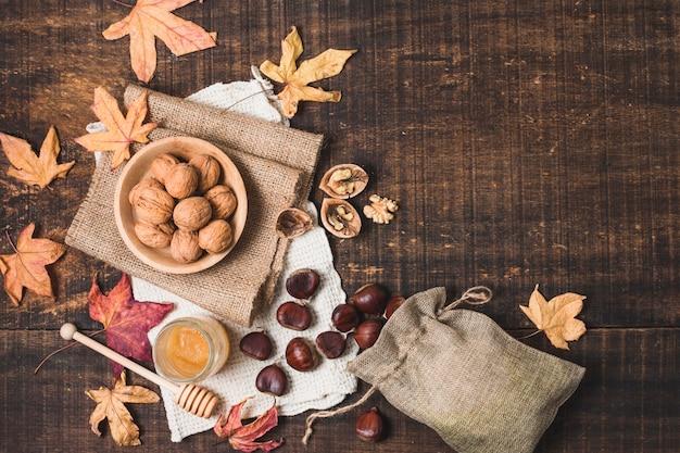 Arrangement d'automne vue de dessus avec espace de copie